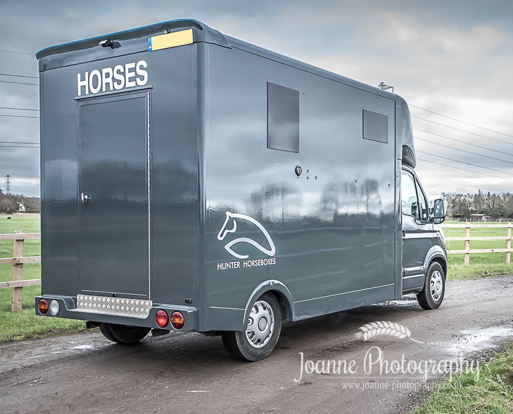 See the quality of the horsebox with a view from the back