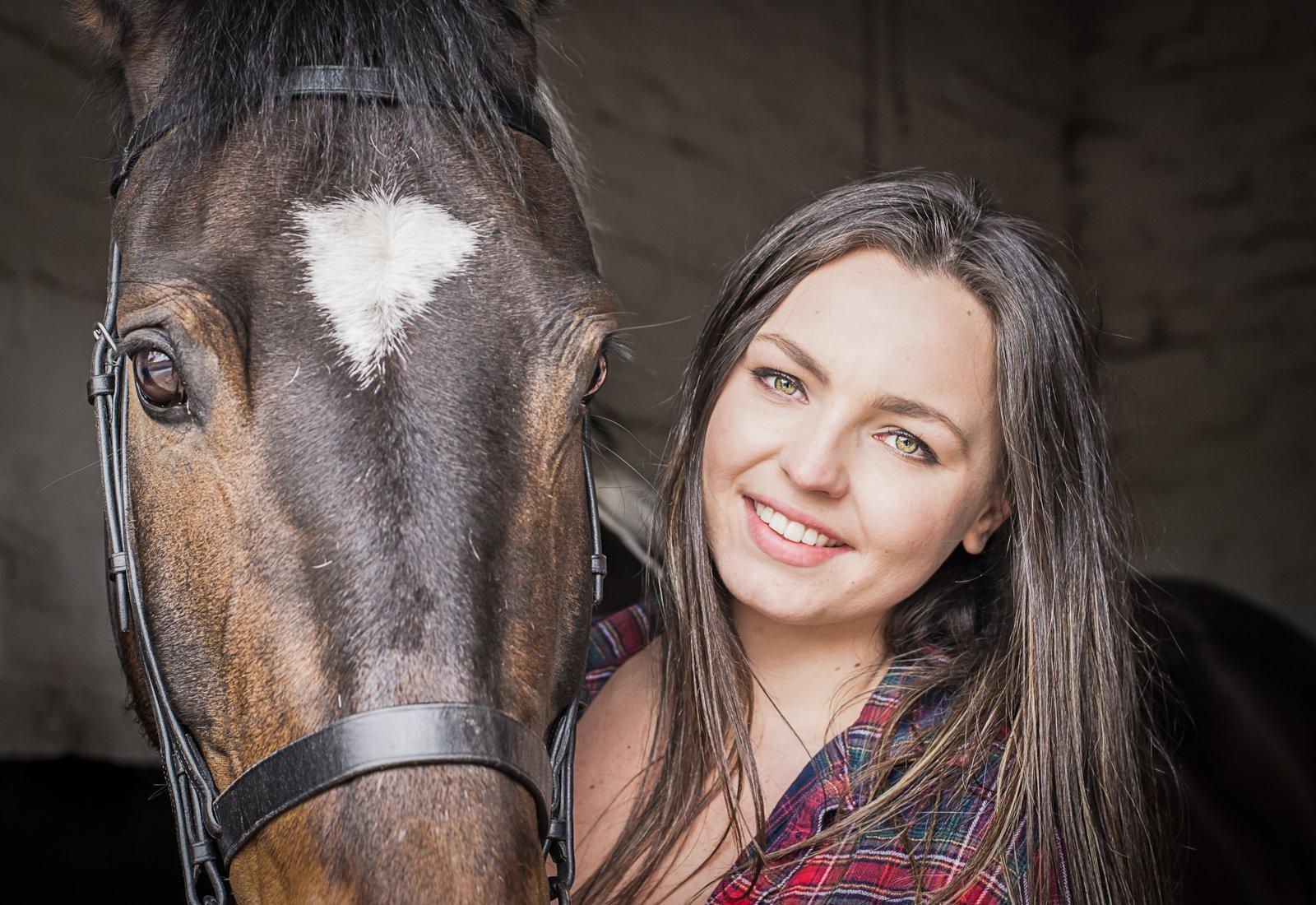 Portrait horse owner